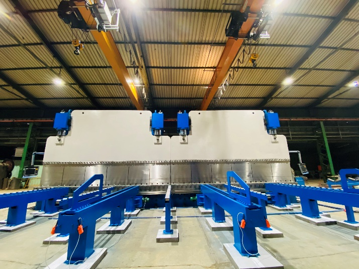 Tandem Press Brake for Light and Heavy Poles